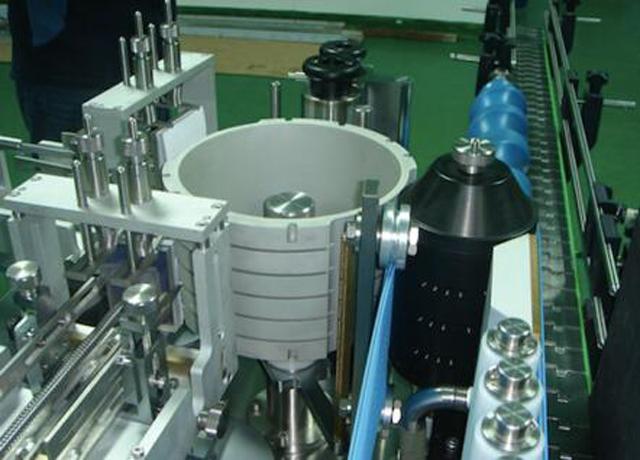 全自動線性圓瓶冷糊濕膠貼標機